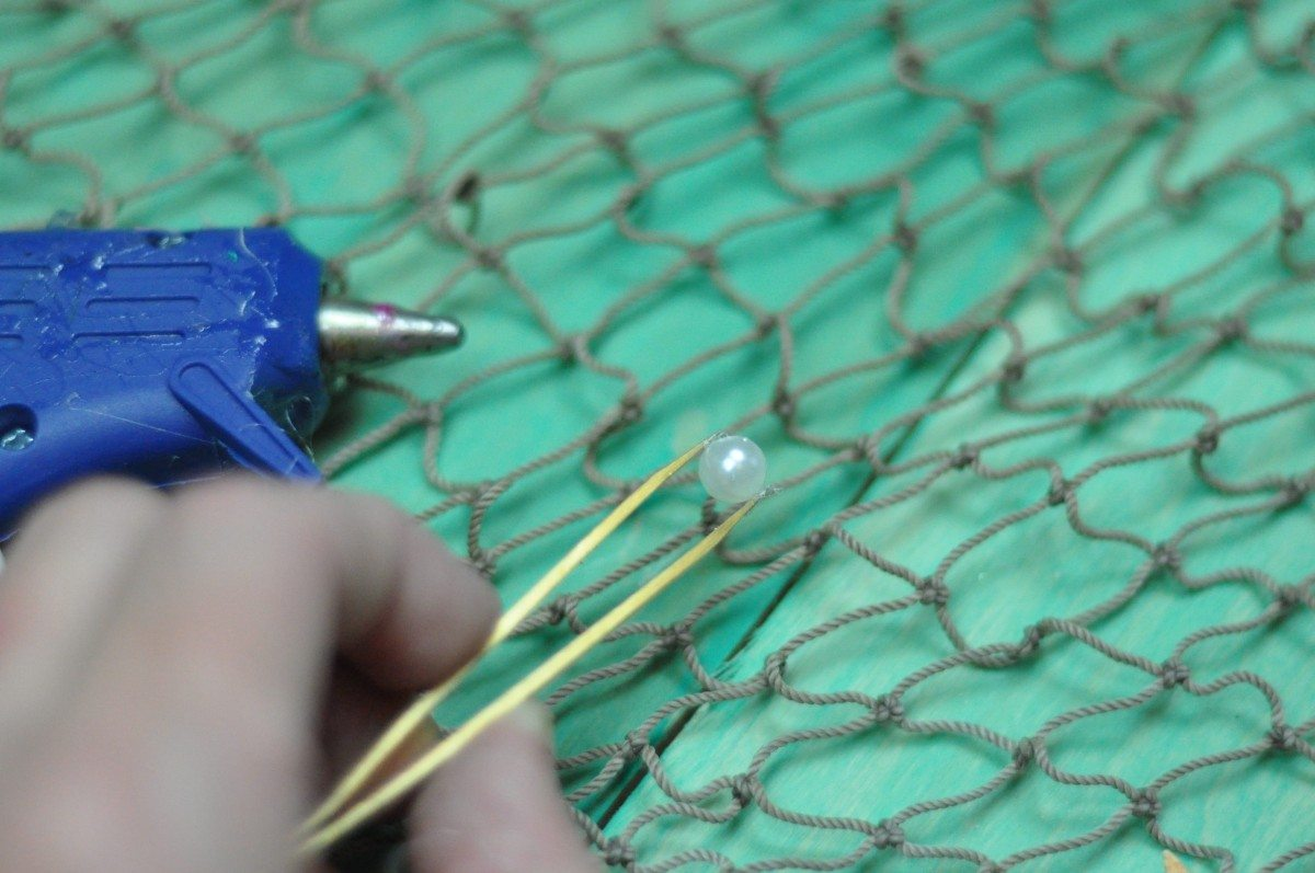 Use tweezers to glue pearls | Fern and Maple