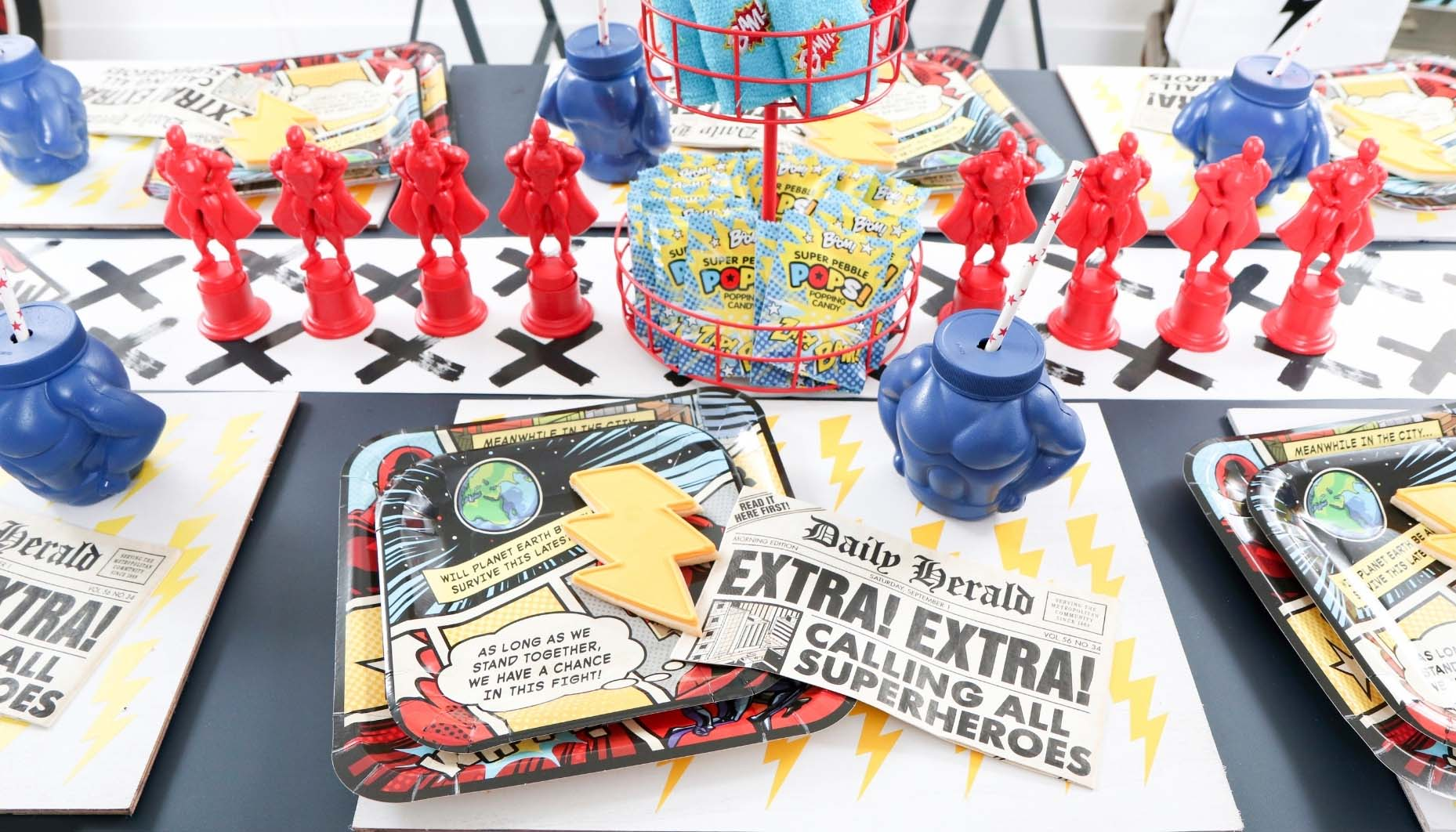 superhero party place settings