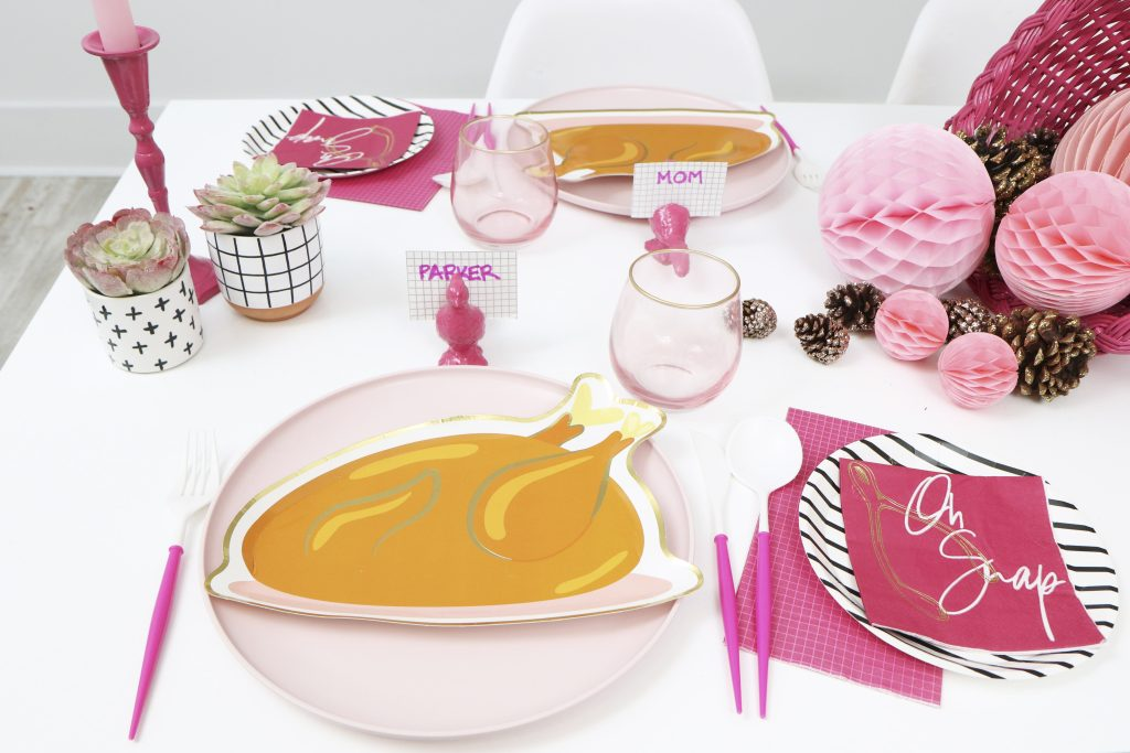 pink thanksgiving turkey dinner place settings