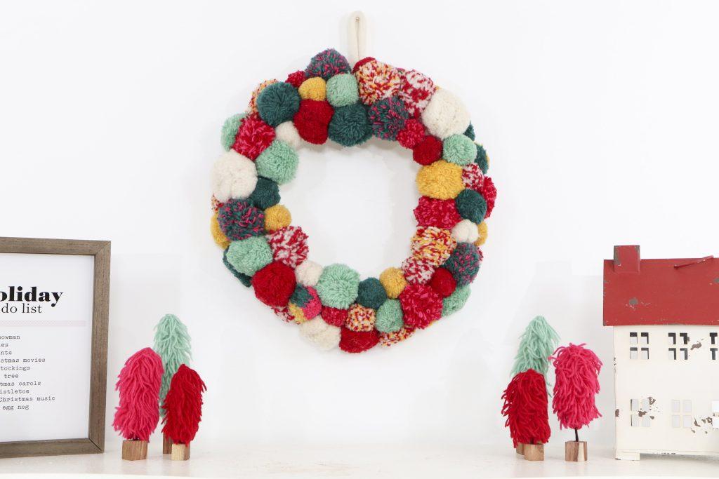 Pom Pom Party for the Holidays pom pom wreath