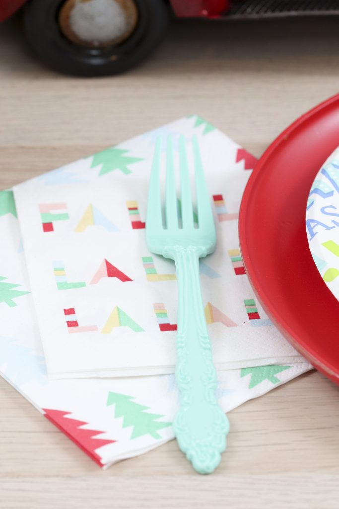 Pom Pom Party for the Holidays place settings