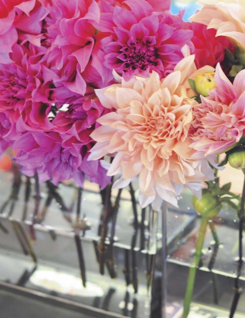 Floral centerpieces for a floral arrangement party - get details now at fernandmaple.com!