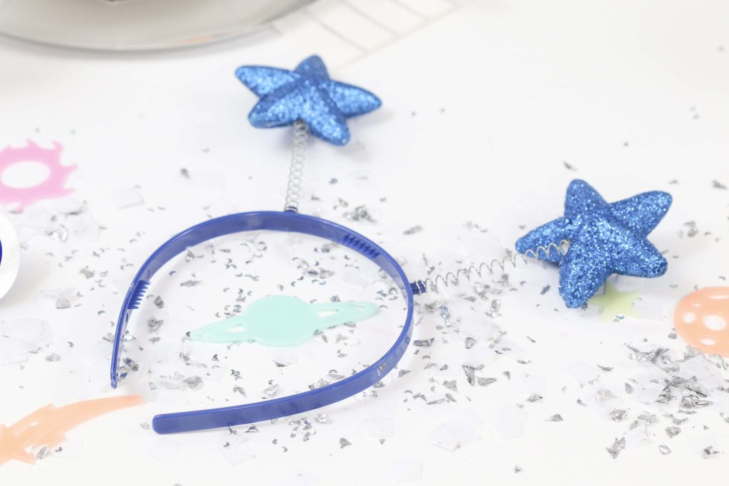 """Space Party Headband Favors - Looking to throw a Space or Rocket themed birthday? Check out this game-changing """"party in a box"""" recommendation as well as tips for personalizing the party! Get details now at fernandmaple.com."""