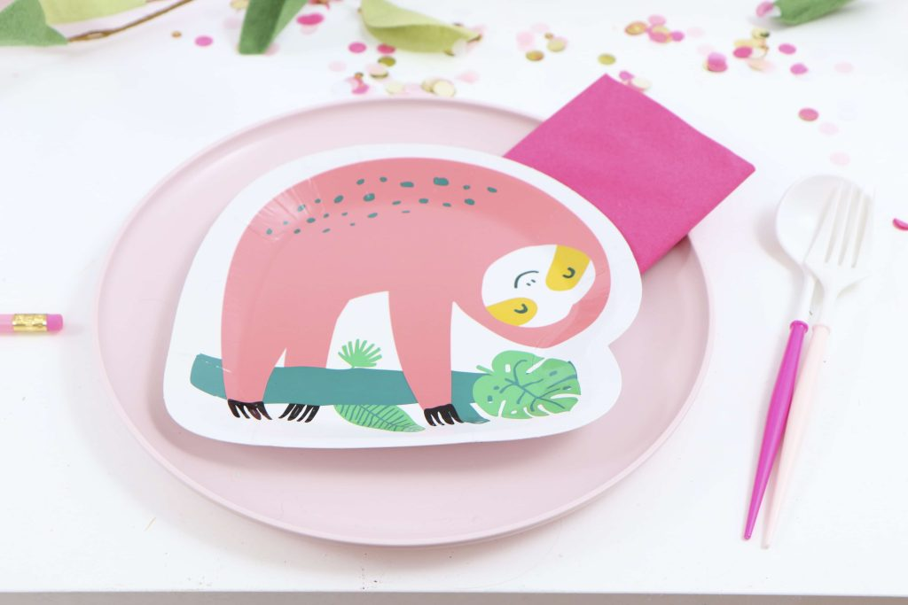 Place Settings for a Pink Sloth Party for Kids - get details now at fernandmaple.com!