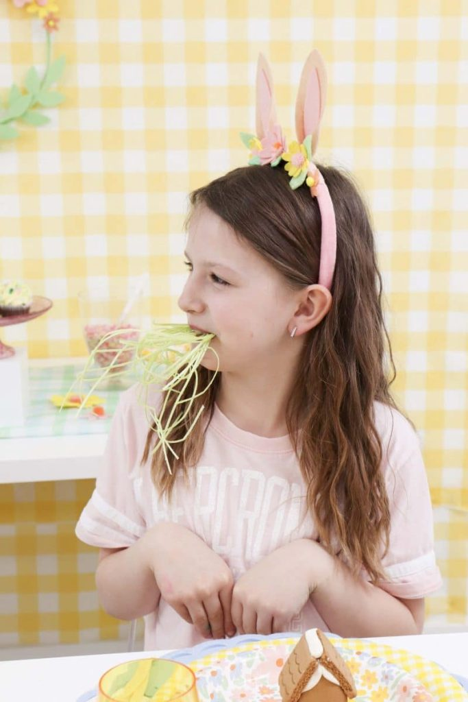 Edible grass for a Spring Gingerbread House decorating party - get more Spring Party inspiration now at fernandmaple.com!