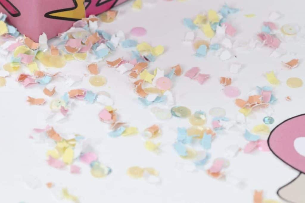 Punk Rock Gnome Easter Toadstool and Confetti Table Decor - get more party ideas at fernandmaple.com!