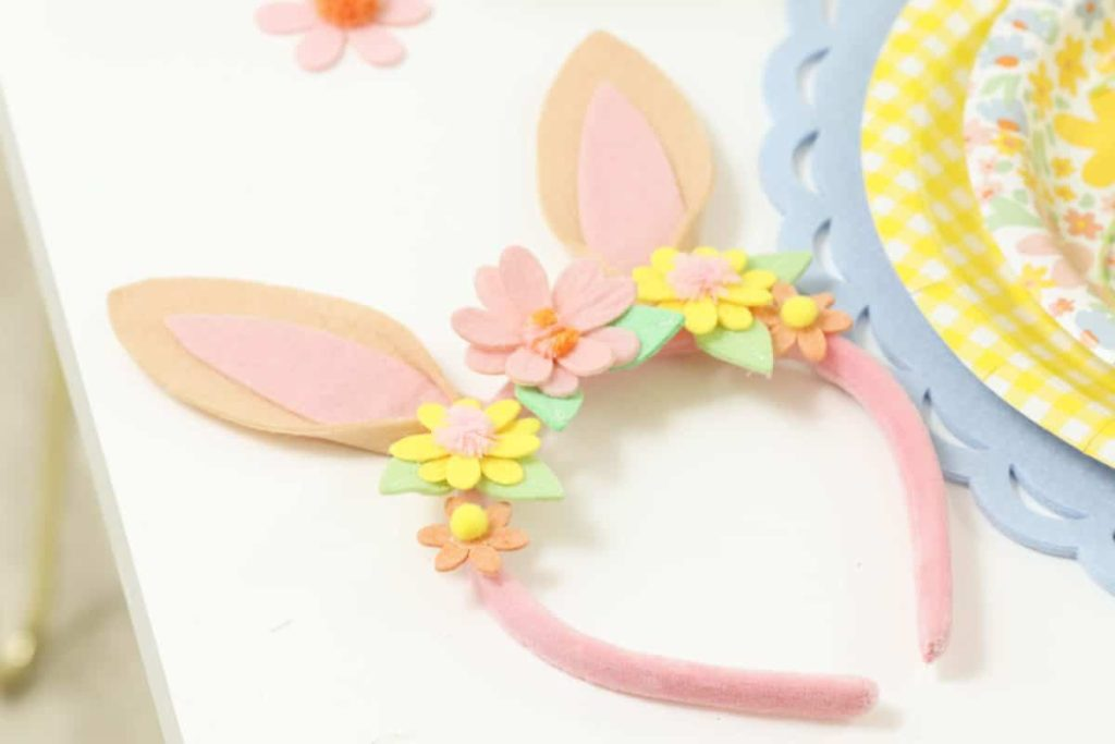 Felt floral bunny headbands for a Spring/Easter Gingerbread House decorating party - get more Spring Party inspiration now at fernandmaple.com!